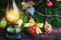Картинка лампа, елка, игрушки