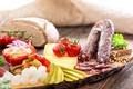 Картинка соус, колбаса, хлеб, сыр, огурцы, cheese, tomatoes, bread, овощи, sausage, помидоры