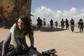 Картинка fury, Logan, X-Men, sand, Wolverine, man, cinema, film, Laura, Marvel, gun, weapon, girl, X-23, angry, ...