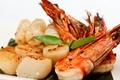 Картинка shrimp, seafood salad, greens, scallop