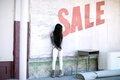 Картинка девушка, продажа, улица