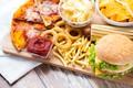 Картинка пицца, лук, фаст-фуд, соус, чипсы, бургер, картошка-фри