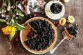 Картинка пирог, подсолнух, ягоды, шелковица, сладкое, десерт, выпечка, цветы