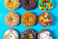 Картинка candy, donuts, пончики, шоколад, colored, орехи, nuts, chocolate, сладкое, конфеты, выпечка, sweets