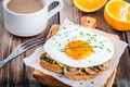 Картинка грибы, апельсины, завтрак, тост, яичница, breakfast, кофе, чашка