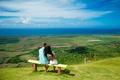 Картинка пейзаж, трава, небо, зелень, пара, парень и девушка, скамейка, природа, поля