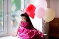 Картинка платье, beautiful, Little girls, красивая, child, дождь, корона, dress, принцесса, окно, ребенок, Balls, holiday, шарики, ...