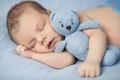 Картинка младенец, hands, спит, sleep, toys, ребенок, infants, игрушка