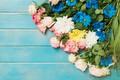 Картинка цветы, розы, colorful, розовые, бутоны, fresh, хризантемы, pink, flowers, roses
