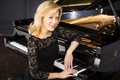 Картинка платье, фортепиано, пианистка, красавица, Ольга Керн, Steinway & Sons, Olga Kern, россия, улыбка, черное, блондинка, ...