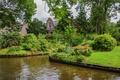 Картинка газон, зелень, дом, вода, канал, Нидерланды, Giethoorn, кусты, деревья, сад, цветы