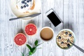 Картинка breakfast, завтрак, мед, wood, грейпфрут, phone, ягоды, блины, черника, мюсли