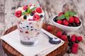 Картинка йогурт, малина, завтрак, черная смородина, мюсли, мята
