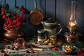 Картинка Рождество, пирожное, ягоды, лампа, каштаны, кружка, чайник, стиль