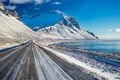 Картинка зима, горы, дорога, море