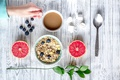 Картинка ягоды, завтрак, черника, wood, грейпфрут, coffee cup, какао, breakfast, мюсли